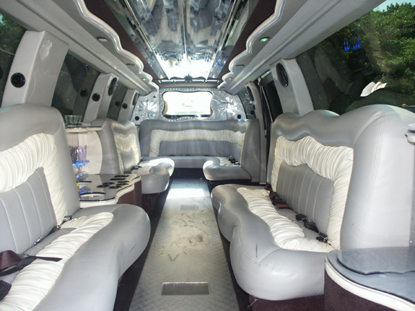 18 Passenger Cadillac Escalade Limo Limousine Services Worldwide