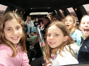 kids-birthday-party-in-a-limo-photo